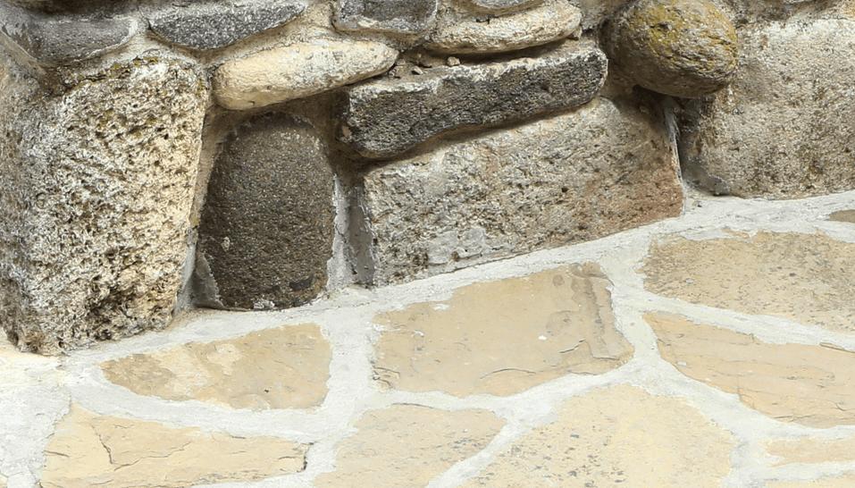 Steine als Material für dein Hochbeet