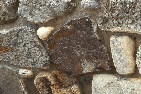 Vielfältig einsetzbar - Steine für Hochbeete